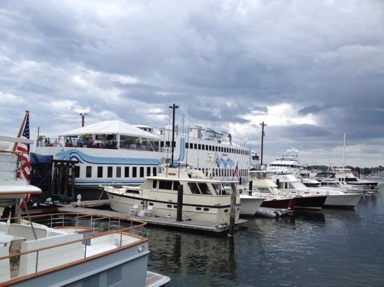 DiMillo's Old Port Marina: di millo's Portland mn