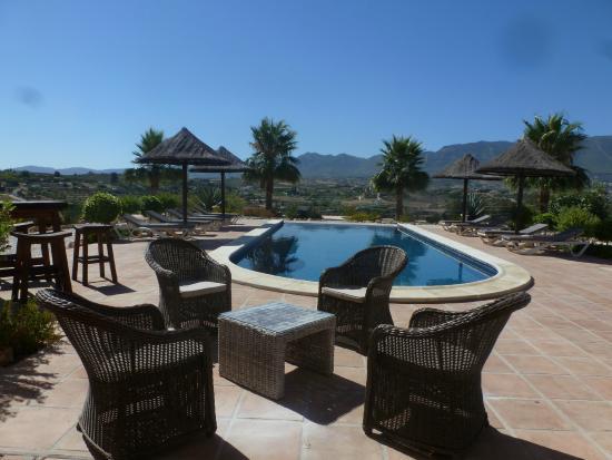 Dos Iberos Luxury Bed & Breakfast: Uitzicht vanaf het terras.