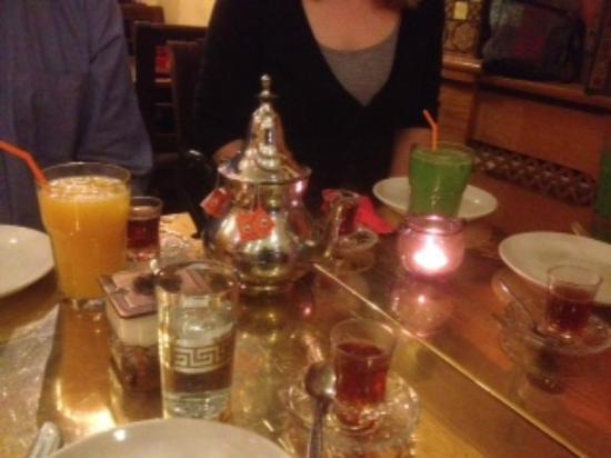 Tarboush Lebanese & Mediterranean Cuisine: Mint tea elegantly served