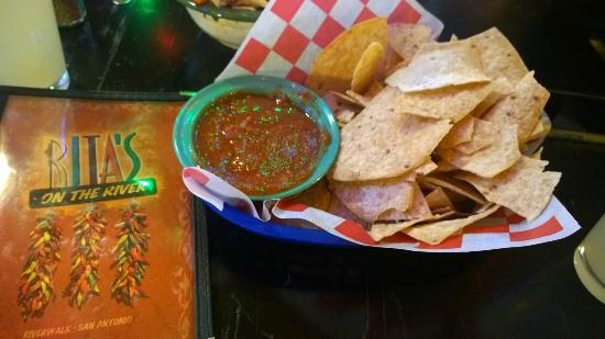 Rita's on the River : Chips and mild salsa
