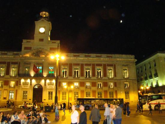 Hostal Patria : a una calle de la Puerta del Sol