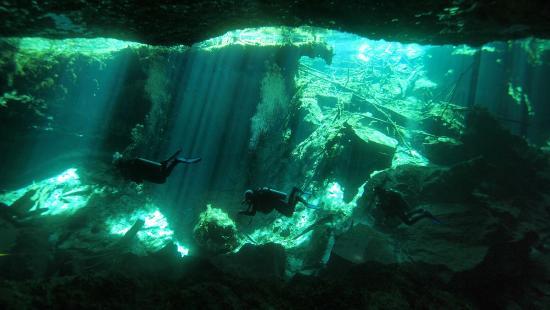 DiveMex: Cenote Chac Mool Yucatan