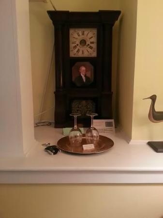 Inn at Stony Creek : In Room Decor with Wine Glasses & Bottle Opener