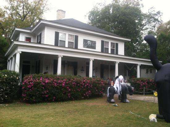 Covington, GA: Elena Gilbert's house