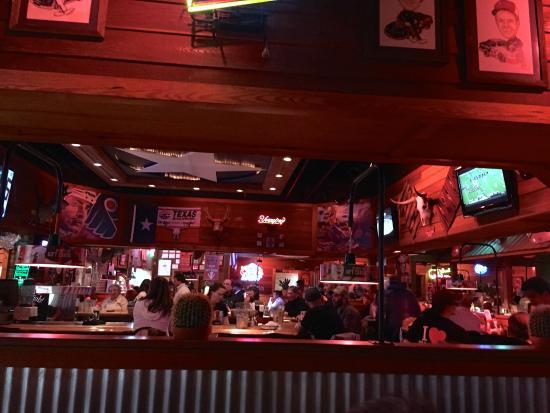 Texas Roadhouse: bar area