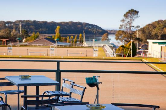 Lake View Grill @ Club Dalmeny