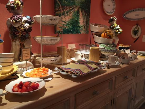 Cottage Grove Inn: beautiful breakfast