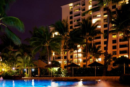 Marriott Ko Olina Beach Club Night View Of The Hotel And Kiddy Pool Area