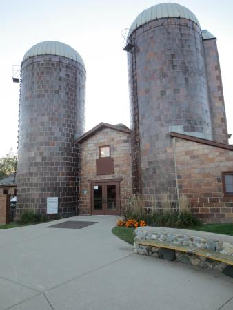 Rochester Hills Museum at Van Hoosen Farm: Entrance to the Van Hoosen Farm