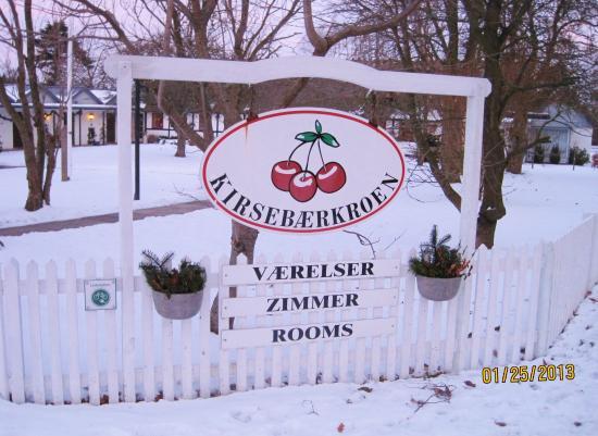 Kirsebaerkroen: the welcome