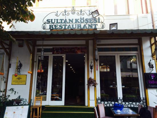Sultan Corner Hotel: Front of Sultan Corner Suites
