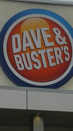 ‪Dave & Buster's‬