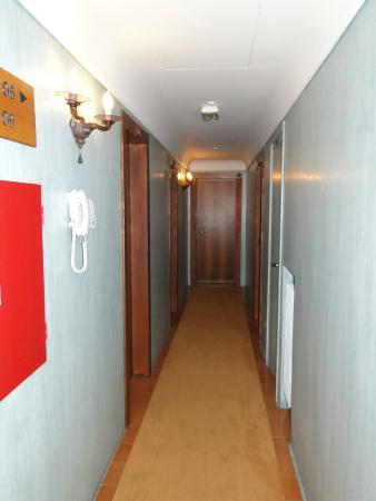 hallway to right of the stairs on the 1st floor my room is rh tripadvisor com sg