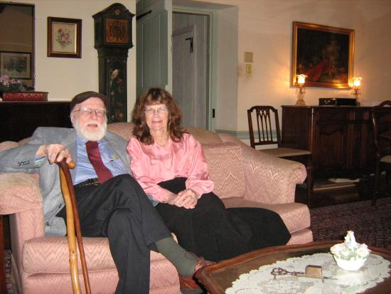 1732 Folke Stone Bed and Breakfast: RELAXING BY THE FIRE, MY 99 YEAR OLD FATHER AND SISTER