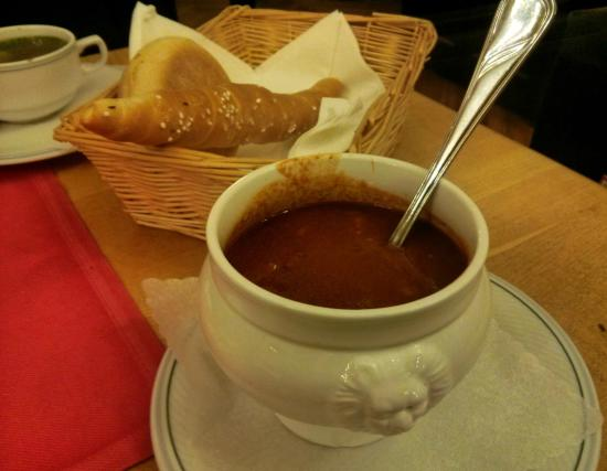 Klosterhof: Excellent goulash soup!