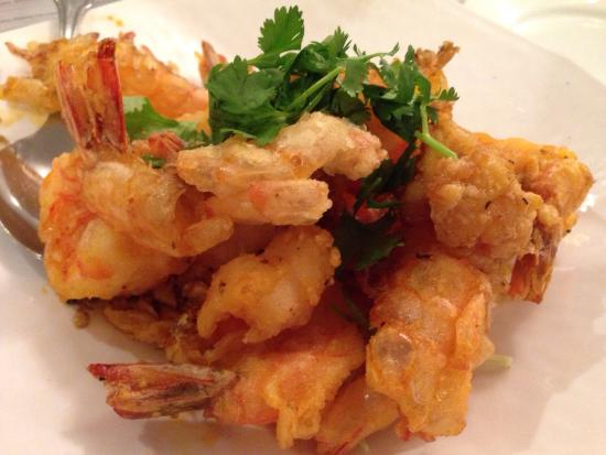 Lotus of Siam: Garlic shrimp.