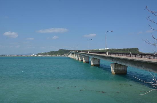 海との距離が近い - Picture of Hamahiga-jima Island, Uruma ...
