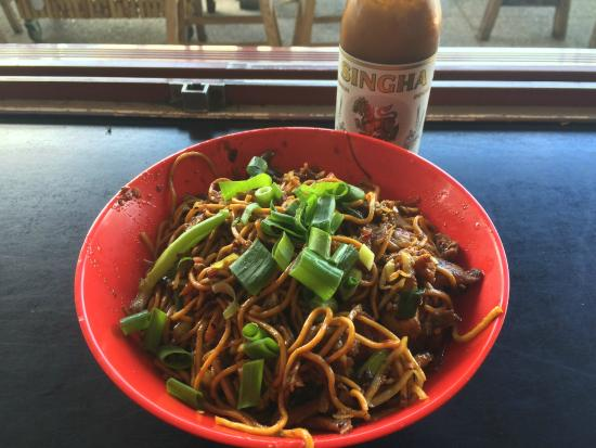 Chopstix Noodle Bar: BBQ Pork Singapore Noodles