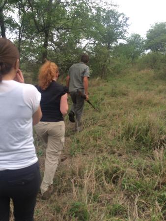 Mvubu River Lodge: Rhino bushwalk met Bertus is een aanrader!