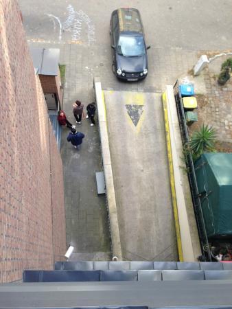 Hotel Regnum Residence: Entrence Parking