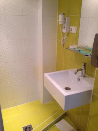 Iris Hotel : Nice bathrooms