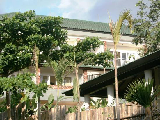 Pecatu Guest House: Building