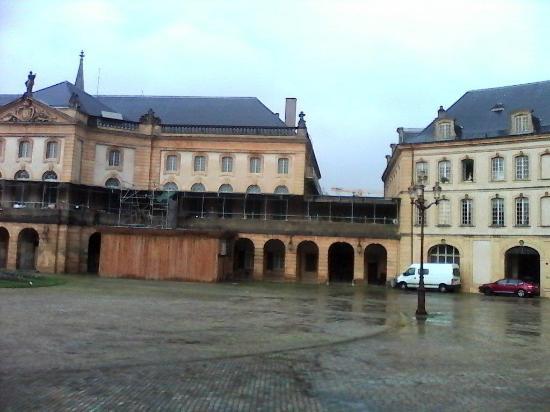 Opéra Théatre : Le théatre, on voit les arches