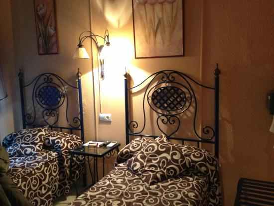 Hostal Dalis : camera doppia