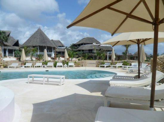 Kola Beach Resort: Piscina