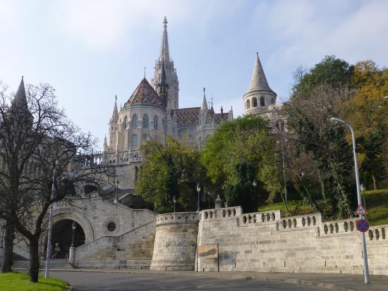 Budavar Bed & Breakfast: Just  few steps away.
