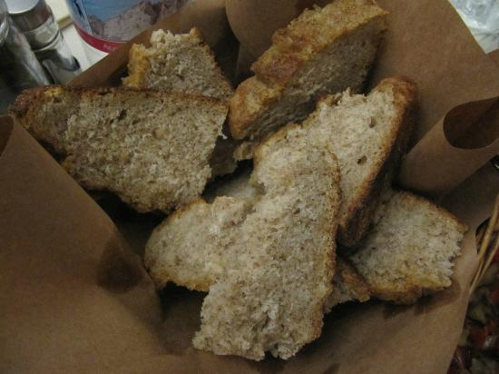 Agriturismo degli Olivi: Home-made bread