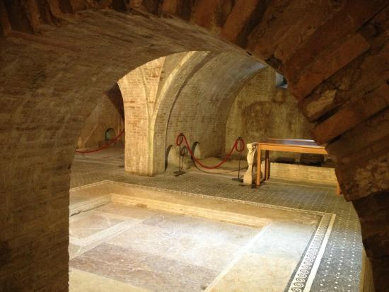 Casa Romana di Vespaia Polla: Stanza con cisterna