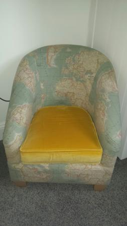 Highcliffe Contemporary Bed and Breakfast: Atlas chair in room 5