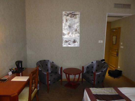Le Phenix Hôtel: Angolo soggiorno