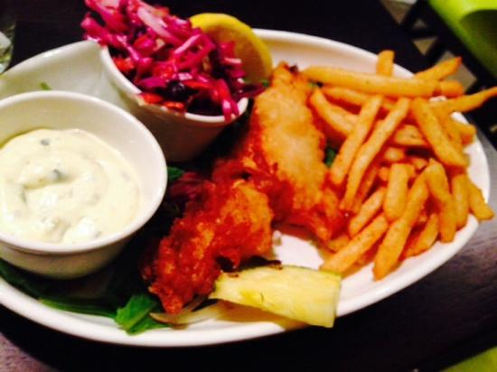 Mokus Restaurant of Fonthill : yummy! 1 pc fish and chips