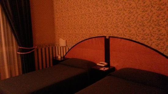 Hotel Giberti: stanza/letto