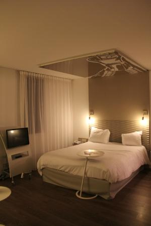Ibis Styles Lille Aeroport: Chambre spacieuse