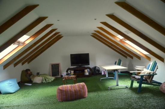 Atlantic Point Backpackers: Lounge