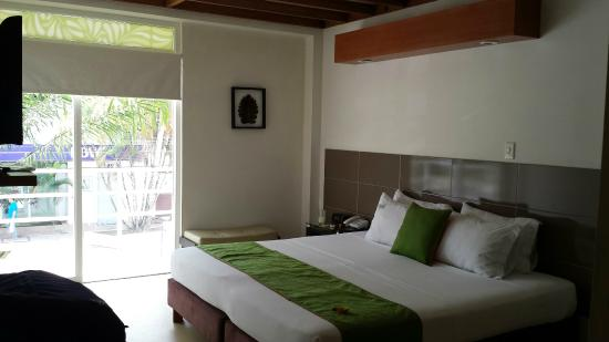 Waira Suites Hotel : Spacious bedroom