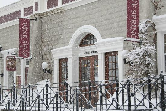 Jordan, Canada: Snowy day at the winery