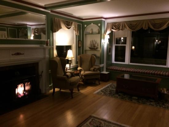 The Brewster Inn : Sitting room