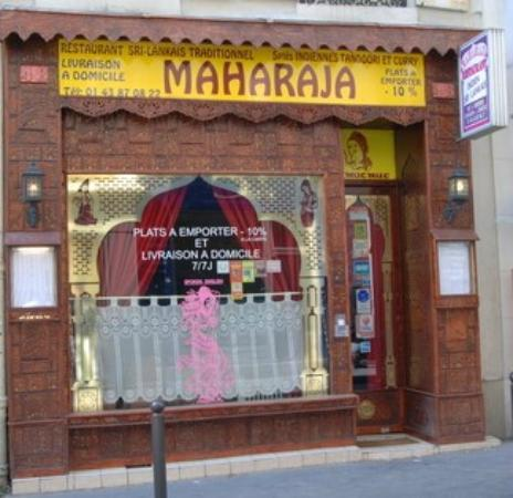 vitrine picture of le maharaja paris tripadvisor. Black Bedroom Furniture Sets. Home Design Ideas