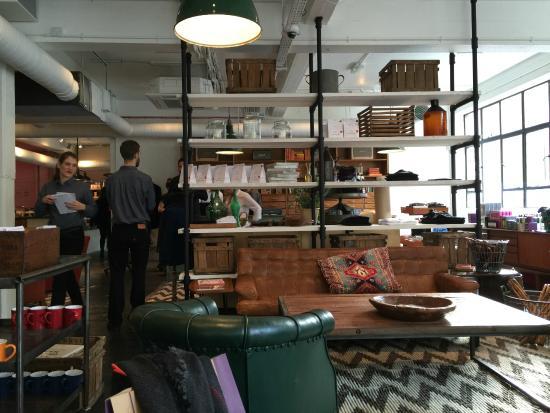 Shoreditch House : Part shop, part caffe