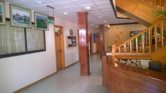 Busua Waves Resort : Main Hall