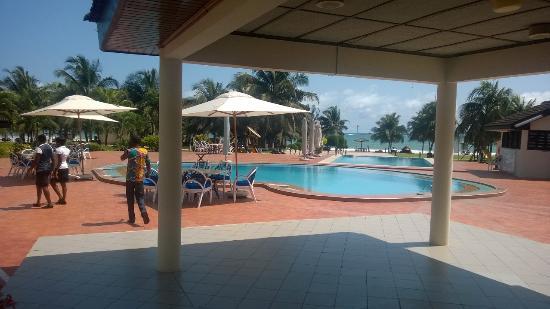 Busua Waves Resort: Swimming Pool