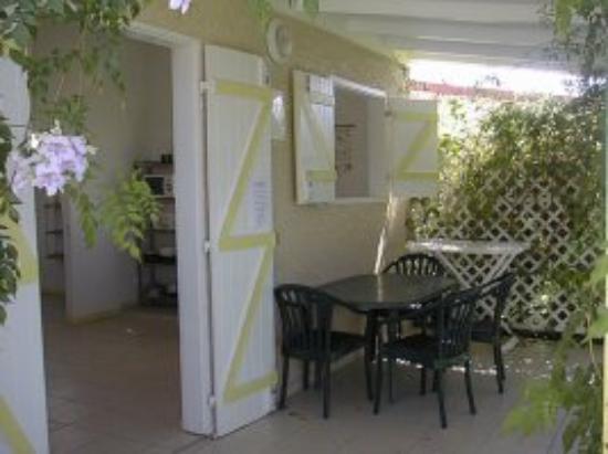 La Kallina: terasse bungalow 2 pers