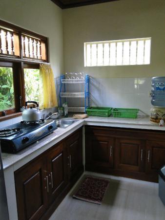 Bali Breeze Bungalows: Küche
