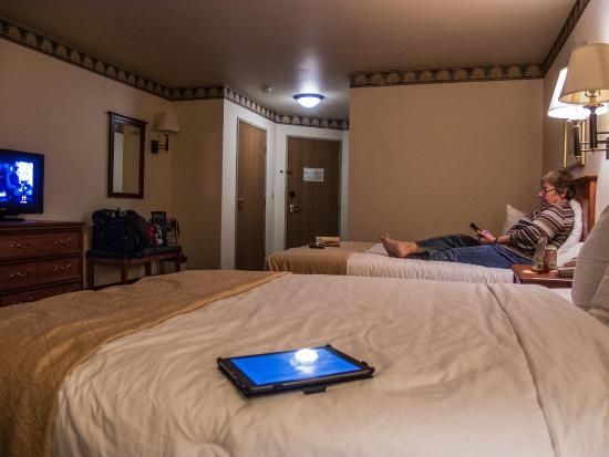 Quality Inn & Suites : Roomy, Clean, and Comfortable
