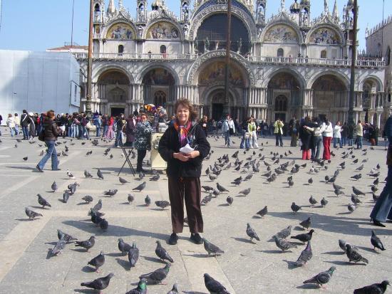 Campo Santa Margherita: Mom in venice