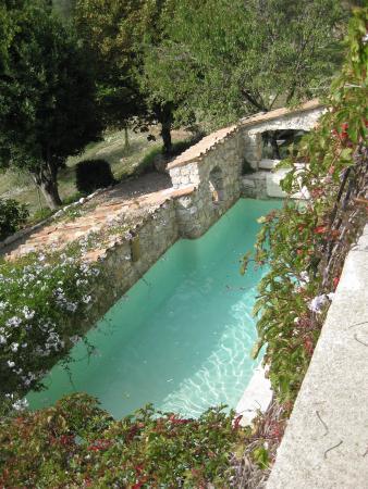 Chateauneuf-Villevieille, Frankreich: la piscine avec courant